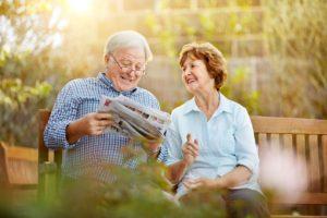 Seniors_in_garden